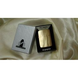 Zapalniczka ZIPPO 1941 Replica Brush Brass Vintaged, towar z kategorii: Papierośnice i pudełka na cygara