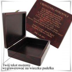 Drewniana szkatułka prezentowa 19.5cm x 16cm x 5.5cm z opcją grawerowania życzeń, dedykacji