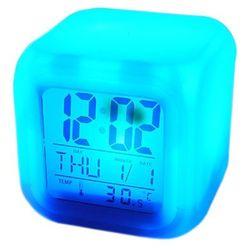Budzik Kameleon. Zegarek z kalendarzem i termometrem