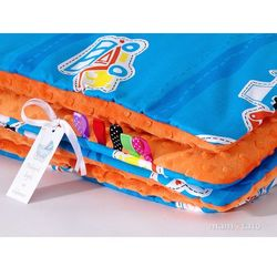 Mamo-tato komplet kocyk minky do wózka + poduszka auta niebieskie / pomarańcz