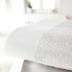 Duży ręcznik kąpielowy, jednobarwny, gramatura 420 g/m² - produkt z kategorii- Ręczniki