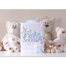 kocyk dla niemowląt długowłosy dwustronny z haftem sówki uszatki biało-błękitne marki Mamo-tato
