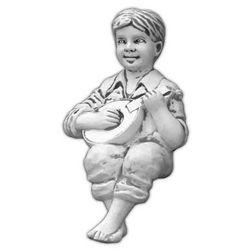 Figura ogrodowa betonowa chłopiec siadający 62cm