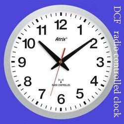 Zegar srebrny sterowany radiowo #1 marki Atrix