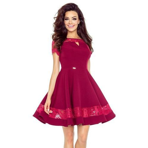 Elegancka sukienka z koronkowymi wstawkami, kolor czerwony