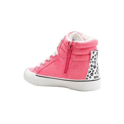 Women's Trainers Staying ahead of trends whilst being comfortable is a dream come true in a funky pair of boohoo trainers. For a natural street vibe team your trainers .