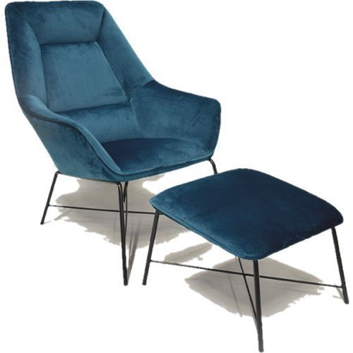 Fotel adele z podnóżkiem niebieski aksamit marki Rge