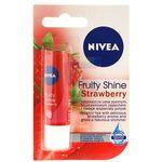 Pomadka ochronna fruity shine strawberry 4,8 g marki Nivea