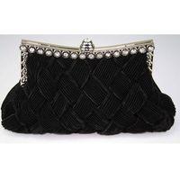 Czarna torebka wizytowa z karbowaną plecionką - czarny