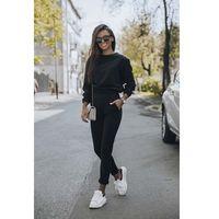 Czarny dresowy komplet nierozpinana bluza i dopasowane spodnie