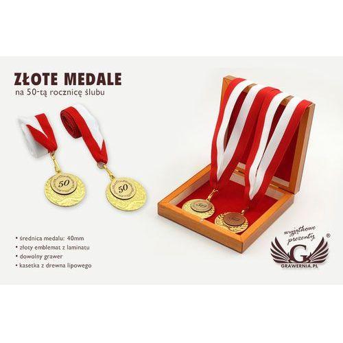 Grawernia.pl - grawerowanie i wycinanie laserem Złote medale na 50-tą złotą rocznicę ślubu - komplet w kasecie z drewna