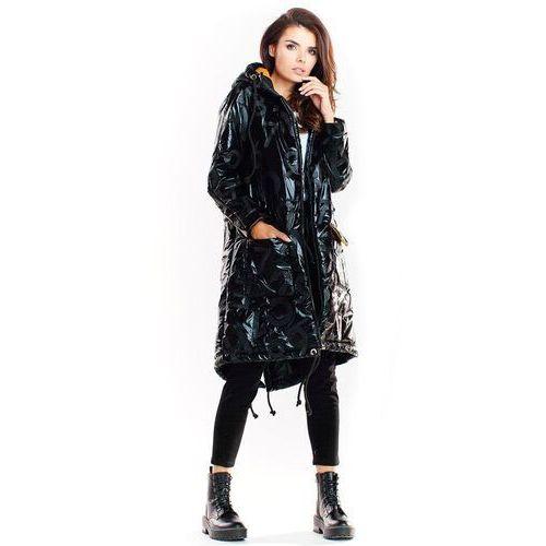 Czarna pikowana kurtka typu parka z połyskiem, poliester