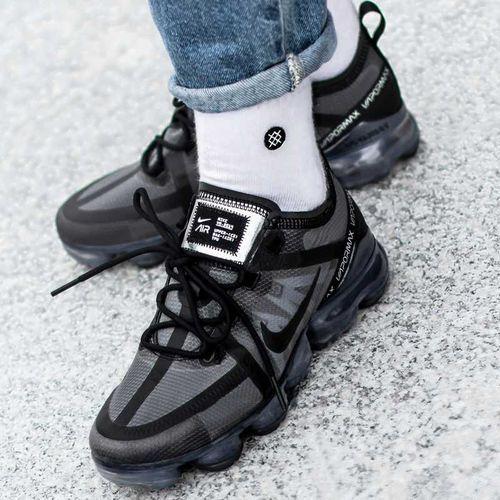 Nike Buty sportowe damskie w air vapormax 2019 (ar6632-002)