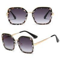 Okulary przeciwsłoneczne damskie czarne panterka