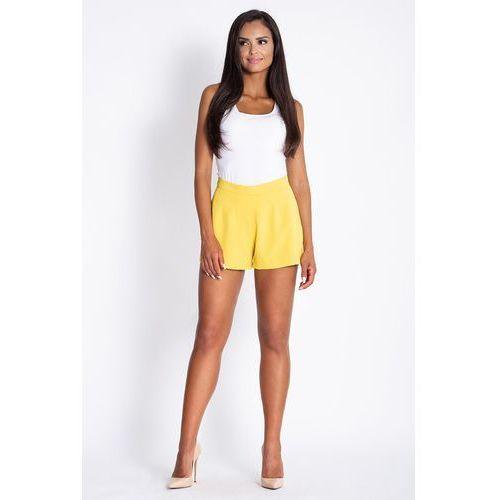Żółte krótkie eleganckie szorty marki Dursi