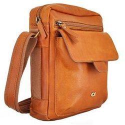 TAKE AWAY 5 torba skórzana na ramię sportowa skóra naturalna firmy Daag produkt unisex