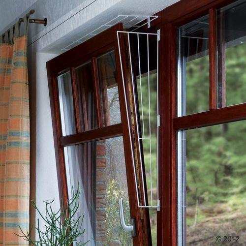 TRIXIE Kratka zabezpieczająca do okna biała skośna- RÓB ZAKUPY I ZBIERAJ PUNKTY PAYBACK - DARMOWA WYSYŁKA OD 99 ZŁ (4011905044163)