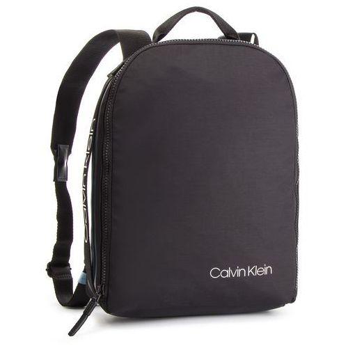 8be25661d3fdb Calvin Klein Plecak CALVIN KLEIN - Clash Round Backpack K50K504197 001