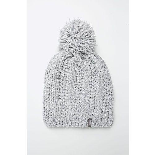 - czapka marki Answear