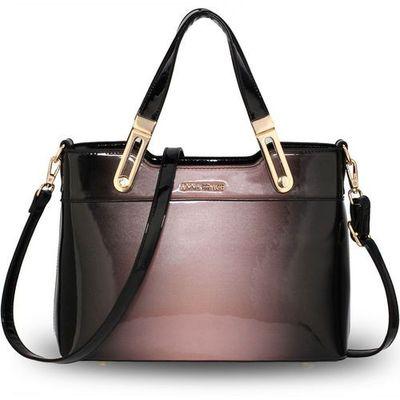 222bab47d61c8 Cieniowana lakierowana torebka damska różowo-czarna - czarny