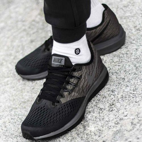 zoom winflo 4 (898466-007) marki Nike