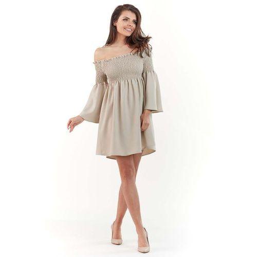 8cfbd5c9fc Beżowa sukienka z marszczonym dekoltem carmen (Awama) - sklep ...