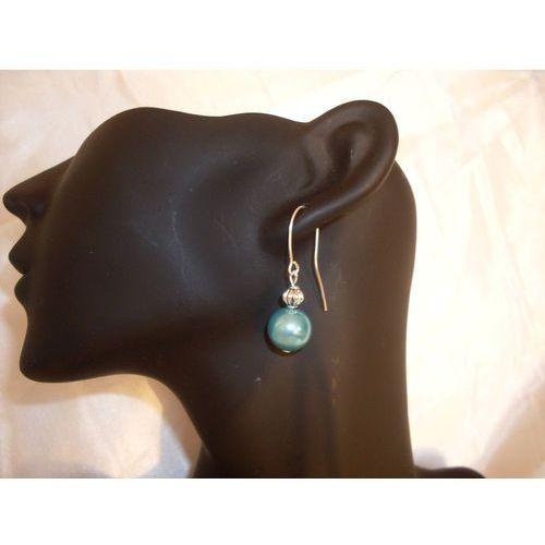 K-00044 Kolczyki wiszące z lazurowymii perełkami, kolor niebieski