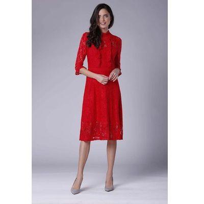 2bdb2839d63308 Czerwona lekko rozkloszowana sukienka koronkowa ze stójką marki Nommo MOLLY