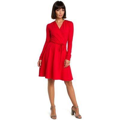 39f0d681e6 Czerwona casualowa rozkloszowana sukienka z dekoltem v na zakładkę marki  Moe MOLLY