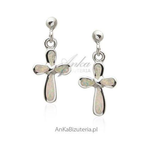 Kolczyki srebrne z białym opalem Modna biżuteria w sklepie AnKa
