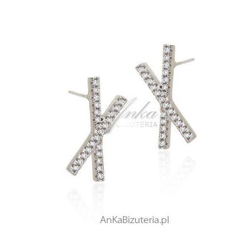 Kolczyki srebrne z cyrkoniami Piękna biżuteria Hiszpania, kolor szary