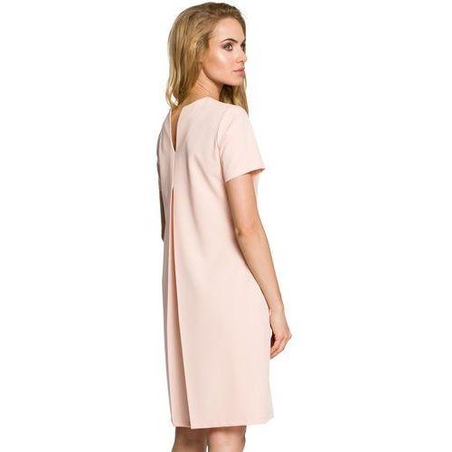 7bec8542c5 Krótka sukienka trapezowa z dekoltem kontrafałdą na plecach pudrowy róż  M309