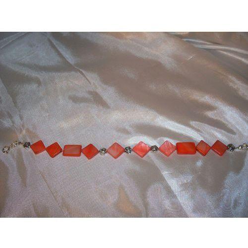 B-00005 Bransoletka na rękę z kostek masy perłowej, kolor beżowy