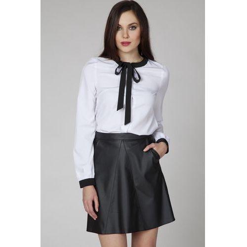 Czarna Trapezowa Skórzana Spódnica z Kieszeniami, kolor czarny