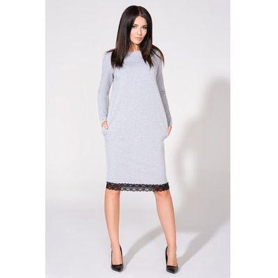 717ac4d5b0 Jasnoszara sukienka dresowa prosta z koronką marki Tessita MOLLY