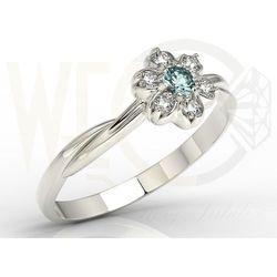 Pierścionek z białego złota ze topaz swarovski ice blue i brylantami ap-68b marki Węc - twój jubiler