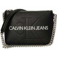 Calvin Klein Torebka na ramię 21 cm black ZAPISZ SIĘ DO NASZEGO NEWSLETTERA, A OTRZYMASZ VOUCHER Z 15% ZNIŻKĄ