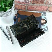 Skórzany portfel damski czarno - złoty forever young 64003