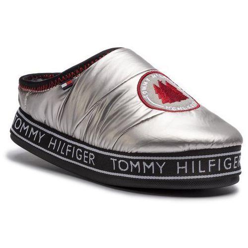 51a0eaf9b075f Tommy Hilfiger Kapcie TOMMY HILFIGER - Downslipper Patch FW0FW04182 Silver  000