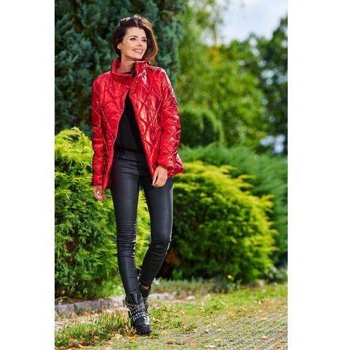 Czerwona połyskująca pikowana kurtka z wysokim kołnierzem, kolor czerwony