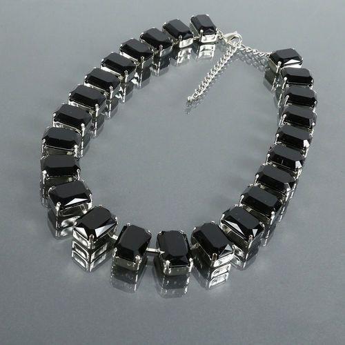 Krótki naszyjnik z dużych czarnych kryształów - czarny, kolor czarny