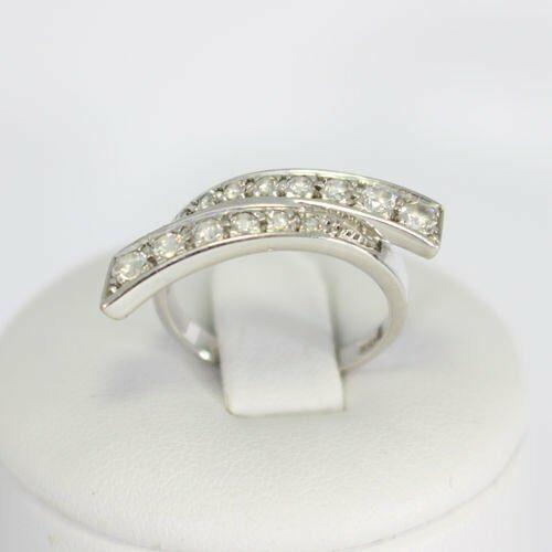 Złoty pierścionek P1078