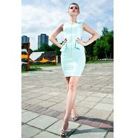 3507-2 sukienka typu baskinka bez rękawków - miętowy sorbet