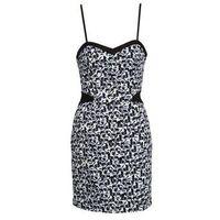 Sukienki krótkie Naf Naf EPELI 5% zniżki z kodem CMP2SE. Nie dotyczy produktów partnerskich.