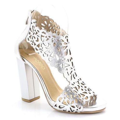 2702 srebrne- laserowa wycinanka sandały - srebrny marki Tymoteo