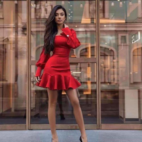 Czerwona Sukienka, kolor czerwony