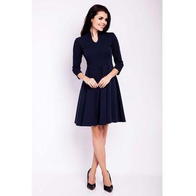 b91663600d suknie sukienki prosta sukienka za kolano z rozcieciem przy dekolcie ...