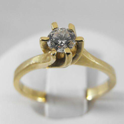 Złoty pierścionek z brylantem P1170, kolor żółty
