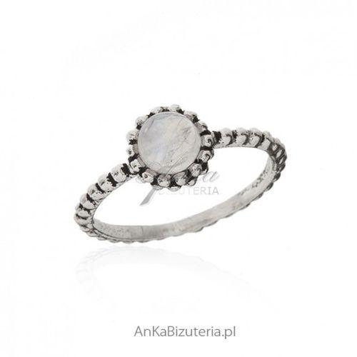 ankabizuteria.pl Pierścionek srebrny z kamieniem księżycowym - piękny, kolor szary