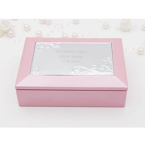 Szkatułka z pozytywką pamiątka chrztu z grawerem  szkatułka z pozytywką różowa marki Alechrzest pl